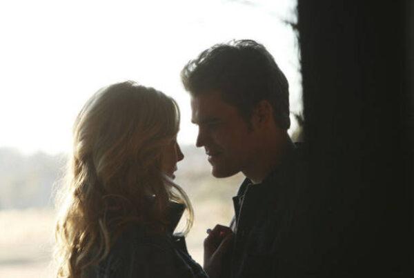 The Vampire Diaries: Caroline perdoa Stefan em episódio inédito