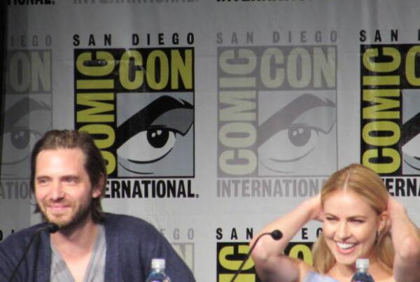 Comic-Con 2015: 12 Monkeys reflete sobre viagem no tempo