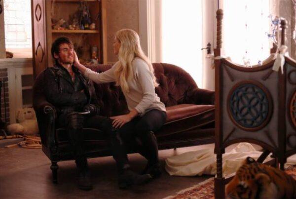 Once Upon a Time: Emma resgata Gancho